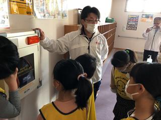 【11月のぴよっこ活動紹介『コロナウイルスの3つの顔』と『心肺蘇生法』について学びました。