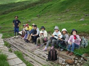 デイケアそよ風・恒例の夏山トレッキング。今年の「月山」は、お花畑!