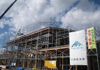 山形県産材をふんだんに採用した天童市立寺津公民館の建て方がスタートしました。