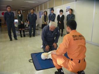 本社及び天童営業所、現場にも、AED(自動体外式除細動器)を設置しました。